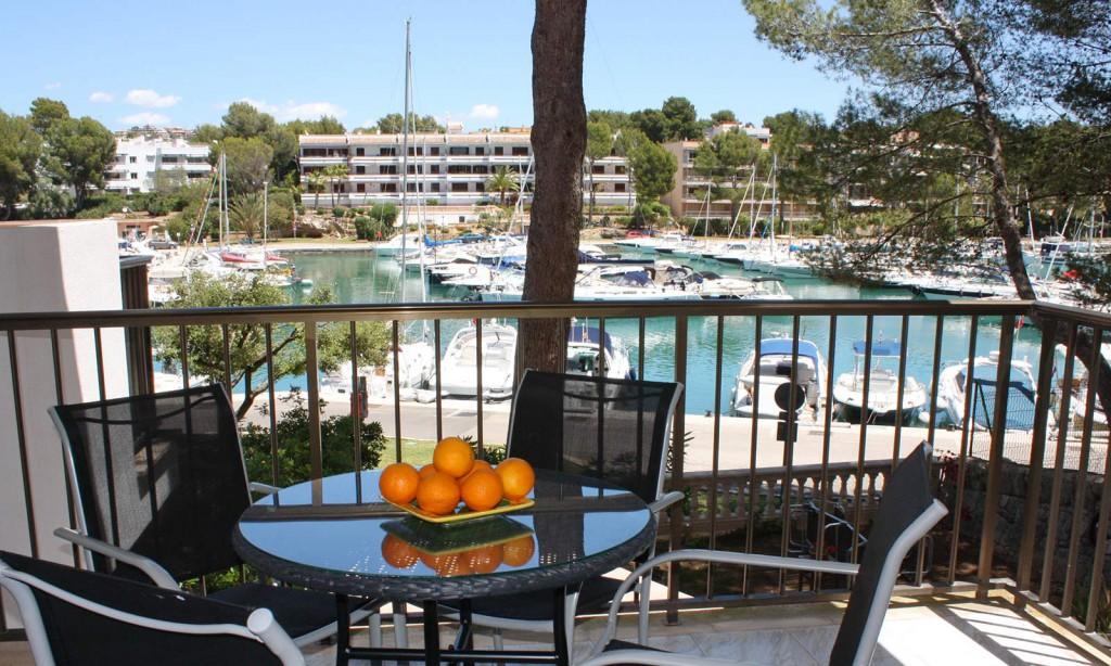 Neu renovierte Wohnung mit Traumblick über den malerischen Yachthafen von Santa Ponsa!
