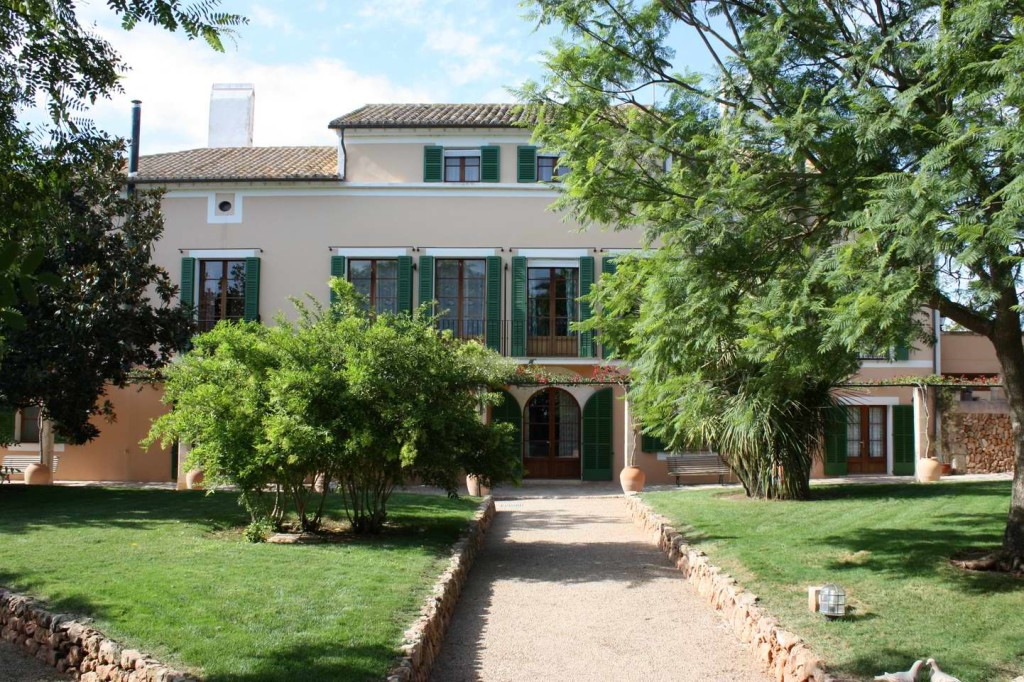 Majorcan manor house with pool & garden park, just 10 minutes from the beautiful beach of Es Trenc!