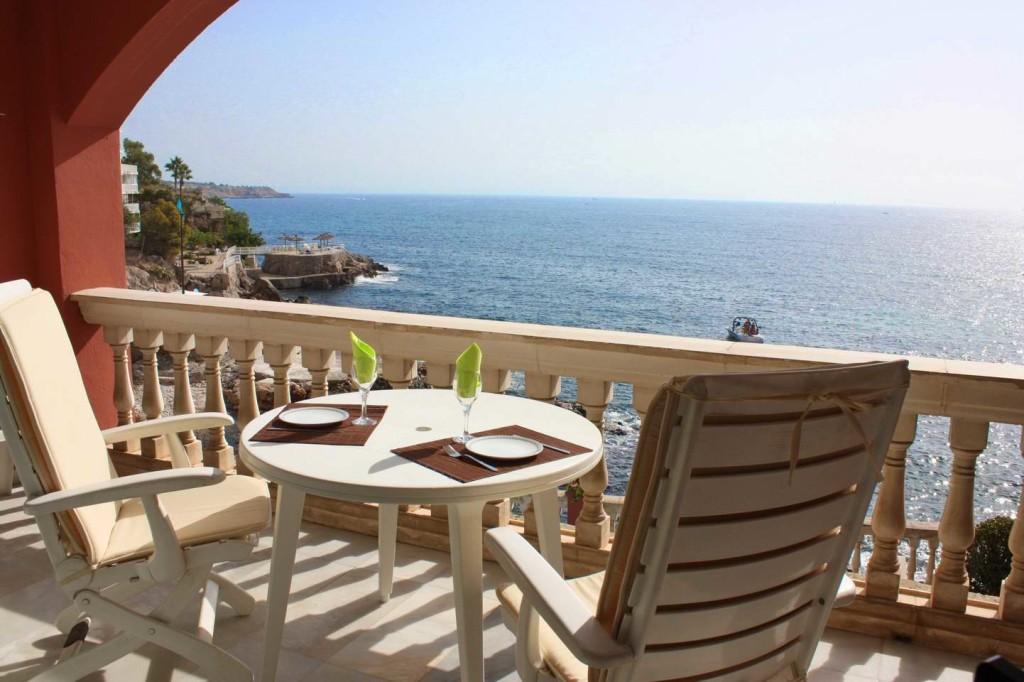 Komfortable Wohnung direkt am Meer mit Pool und Meerzugang!