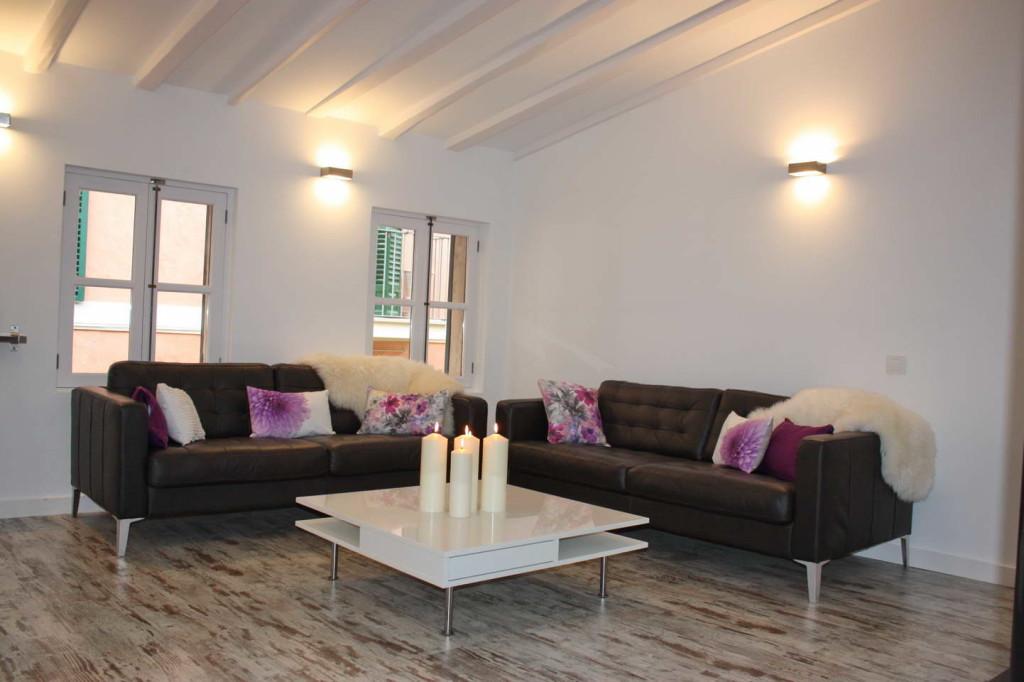 Stylische Penthouse Wohnung mit Terrasse in bester Altstadtlage-neu renoviert!