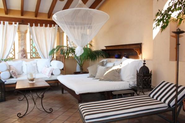 Herrschaftliche Wohnung im Altstadtpalast mit 2 privaten Terrassen neben der Kathedrale!