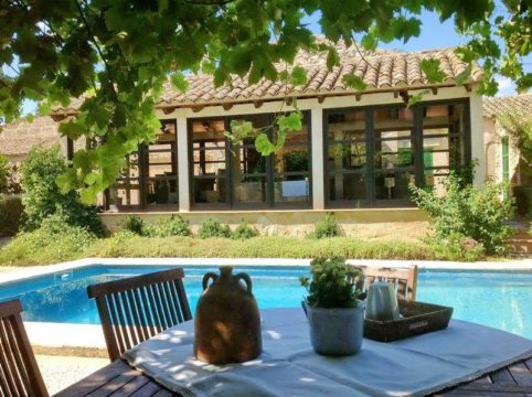 Luxury villa with private pool and garden in Petra - a typical Mallorcan village mansion