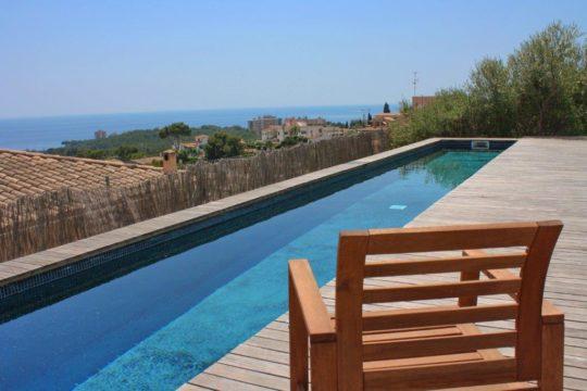 Modernes Haus in Palma-Genova mit Pool und Meerblick! Fuß läufig zu Restaurants gelegen!