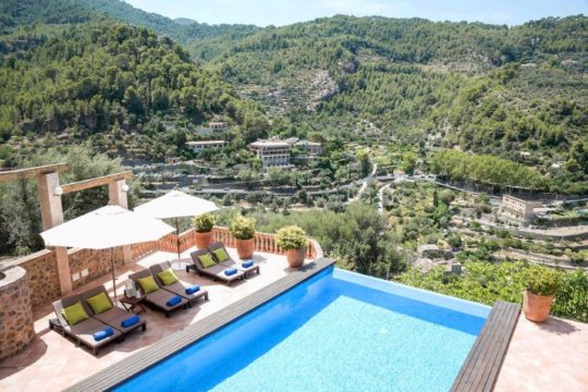 Majorcan villa with great living comfort, great outdoor area and large pool in Deia!