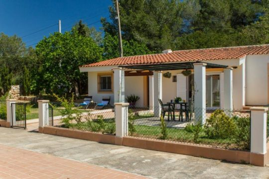 Cozy holiday home with veranda and garden, close to the beach (Es Trenc), Idyllic location!