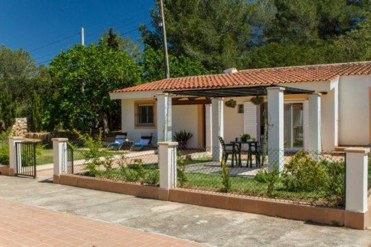 Gemütliches Ferienhaus mit Veranda und Garten, strandnah (Es Trenc), Idyllisch gelegen!