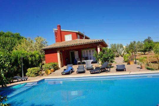Finca mit Pool,- fuß läufig zum Dorf Lloseta gelegen-für Finca Urlaub ohne Mietwagen!