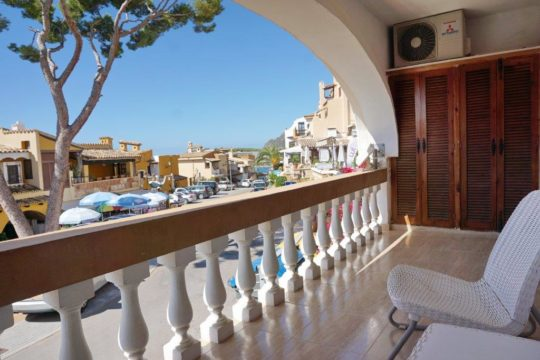 Great apartment in the heart of Cala Fornells with partial sea views, newly renovated!